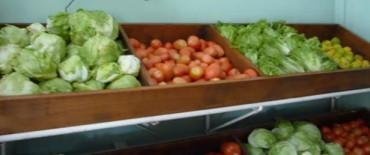 """El precio de las verduras, """"por las nubes"""" y por eso se vende menos"""