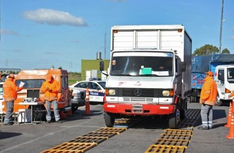 La Provincia intensificará los controles de peso a camiones en rutas