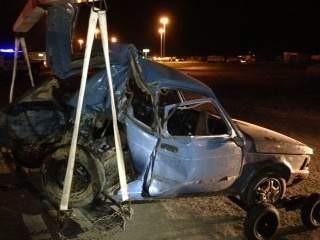 Terrible accidente en el puente de La Carpa, dos nenes despedidos fuera del auto
