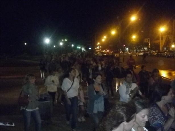Nueve de julio: Desde Plaza Belgrano el cacerolazo se desplazó a la Comisaría