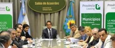 El gobernador Scioli firmó el desendeudamiento con 30 intendentes, entre ellos el de General Viamonte - Los Toldos