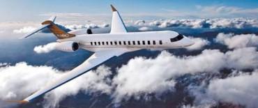 Para viajar a Asia, Cristina alquiló un avión por un millón de dólares.