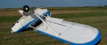 Un avión de instrucción se cayó en el aeroclub de la vecina ciudad de Nueve de Julio