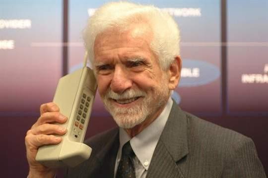 El teléfono celular cumple 40 años: habla su creador