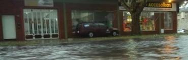 Junín: Calles que parecen ríos, diluvió