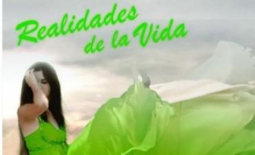 """""""Pichona"""" Mendoza presentó su segundo libro """"Realidades de la vida"""""""