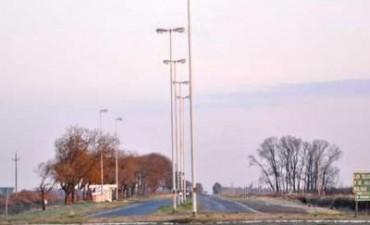 Reponen luminarias en la rotonda de la Ruta Provincial 65