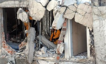 Rosario: hallan cuerpo entre los escombros