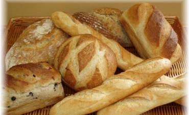 Panaderos se quejan por suba de la harina y advierten que el pan seguirá aumentando